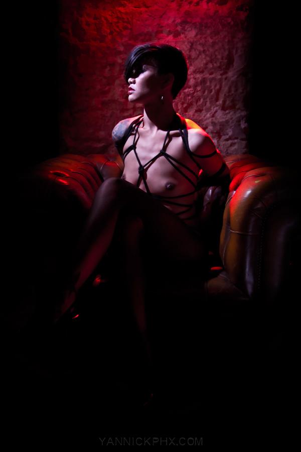 Yannick PhX bondage photographie nue