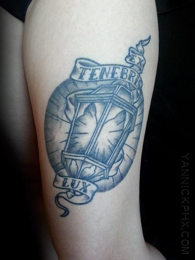 lanterne cuisse tattoo yannick phx
